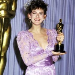 Marlee with her Oscar at the 59th Annual Academy Awards