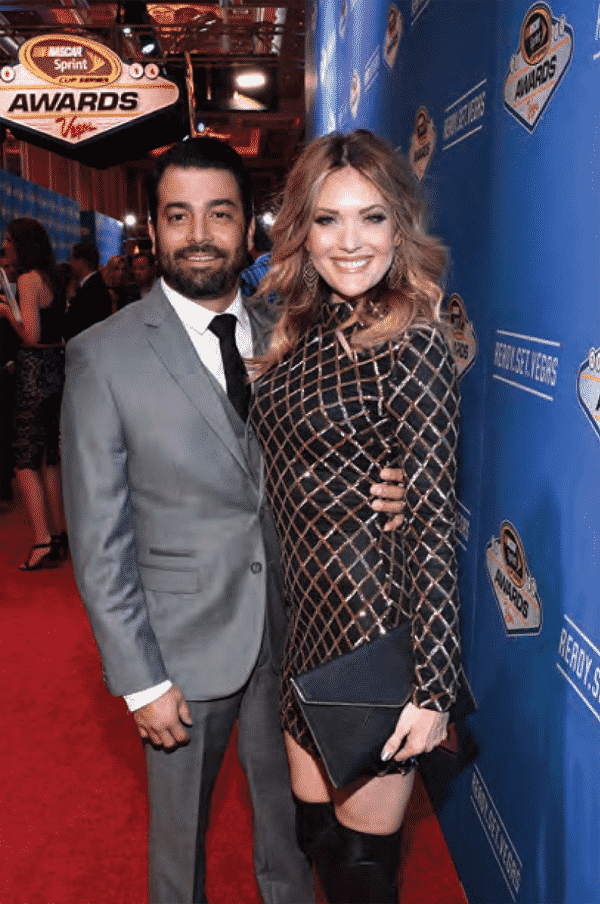Amy Purdy poses with her husband